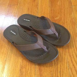 Okabashi sandals size ML (8-9)